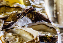 What makes an excellent seafood restaurant?